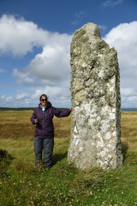 Tish propping-up the Mor Stein standing stone
